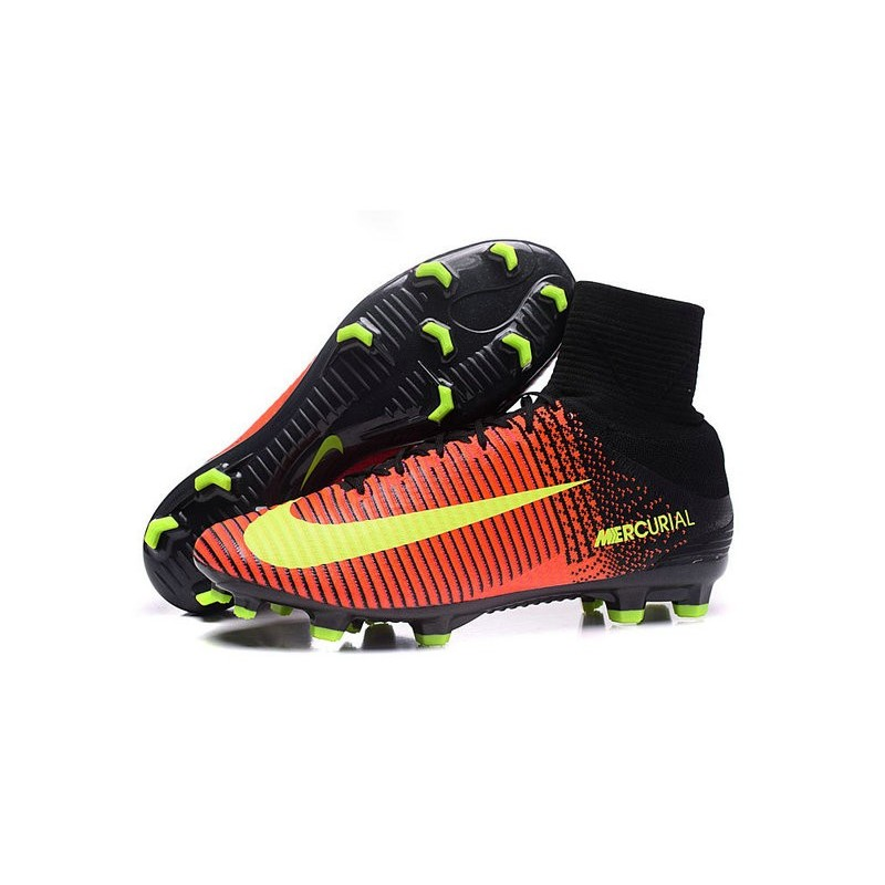 huge discount 547f6 f32f9 Cristiano Ronaldo New Nike Mercurial Superfly V FG Boots ...