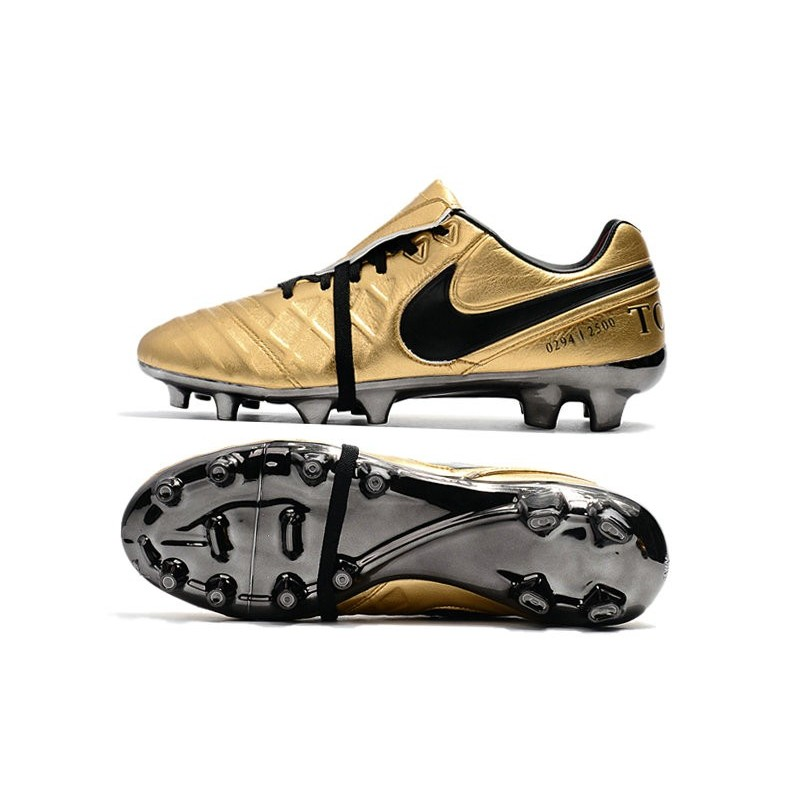 cheap for discount fe09f 46de3 Nike Tiempo Totti X Roma Limited Edition Gold Soccer Cleats